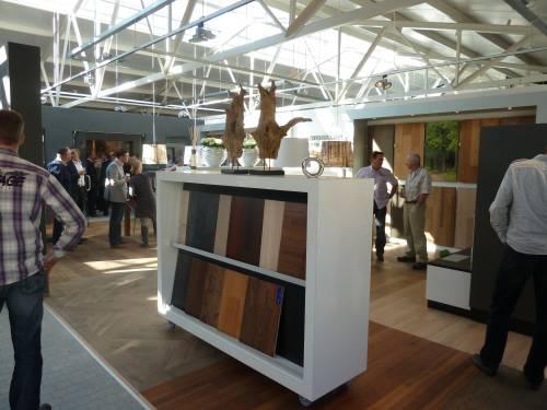 Oosterwechel Houten Vloeren : Oosterwechel houten vloeren opent nieuwe vestiging dibebo